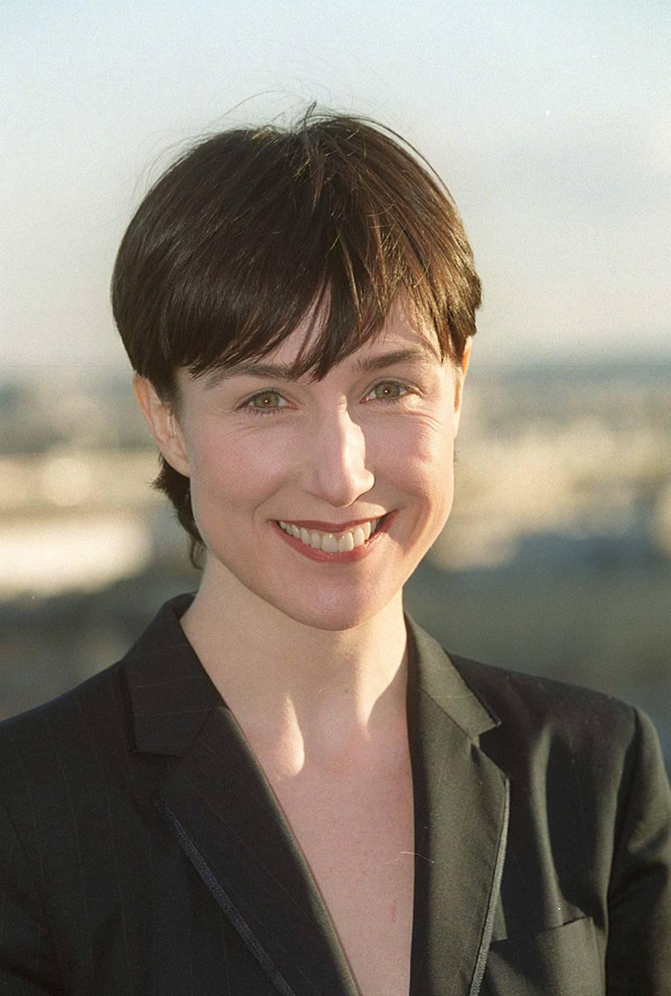 Elsa Zylberstein en 2001, lorsqu'elle a coupé ses cheveux courts.