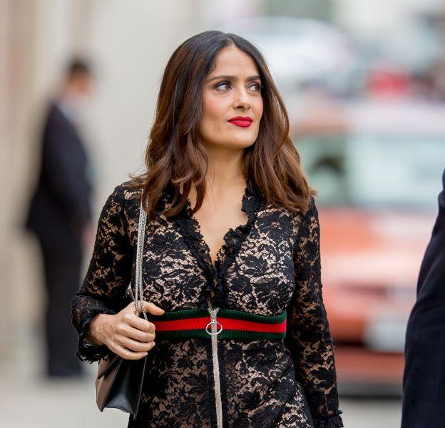 Salma Hayek est divine dans une robe longue en dentelle pour se rendre sur le plateau talk-show de Jimmy Kimmel.