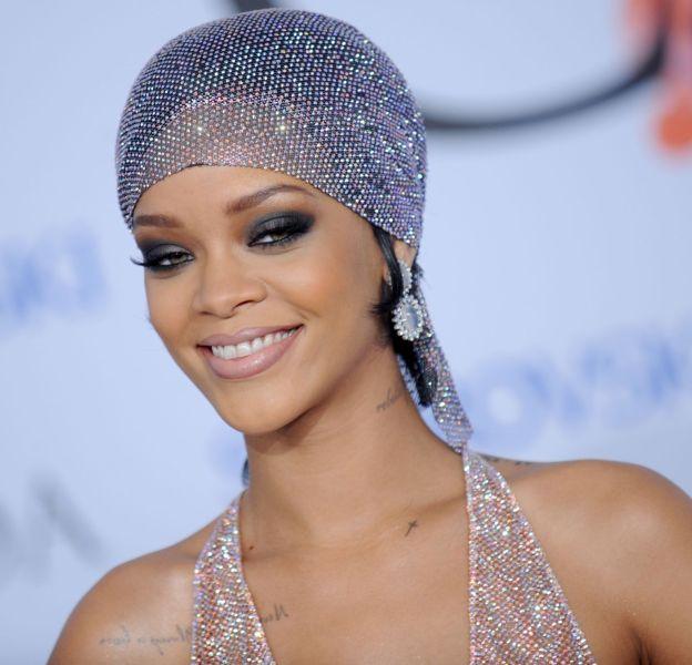 Rihanna se dévoile un peu plus sur les réseaux sociaux.