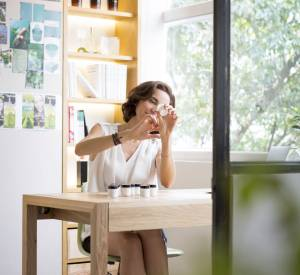 Mathilde Thomas dans ses bureaux de Hong Kong.