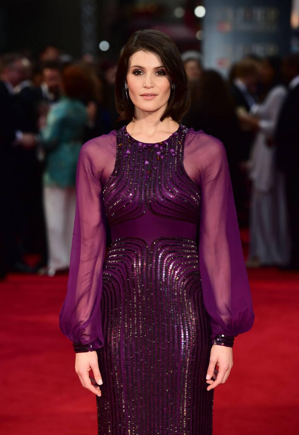 Gemma Arterton en robe violette : elle était immanquable lors du photocall.