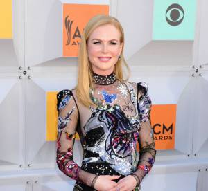 Nicole Kidman : nue sous sa robe aux Academy of Country Music Awards