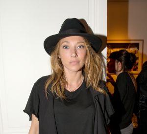 Laura Smet affiche une silhouette canon en maillot de bain deux pièces.