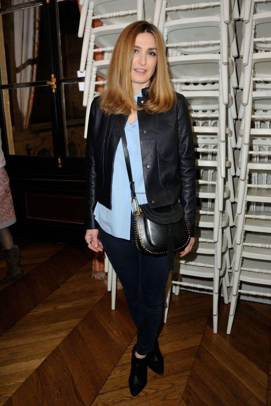 """Julie Gayet s'est exprimée dans l'émission """"L'Invité"""" de  TV5 Monde  il y a quelques heures."""