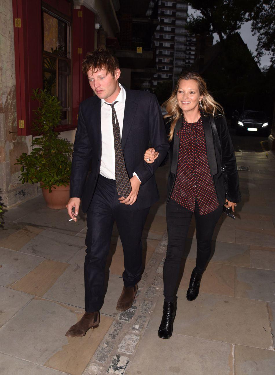 Kate Moss et son compagnon Nikolaï von Bismarck à Londres