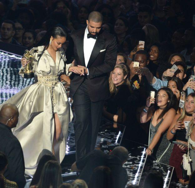 Drake et Rihanna ont enfin officialisé leur relation.
