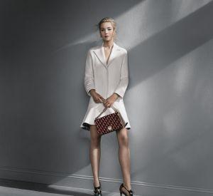 Le sac Diorama s'habille d'un velours en relief et devient ultra désirable.