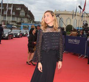 Julie Gayet a envouté le red carpet de Deauville.