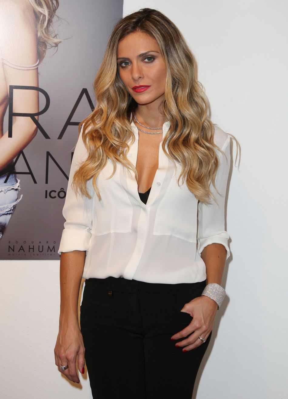 Clara Morgane lance une nouvelle version de son site internet.