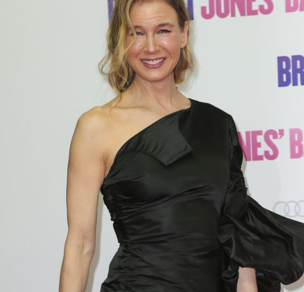 """Renée Zellweger, souriante à Berlin, pour présenter """"Bridget Jones Baby""""."""