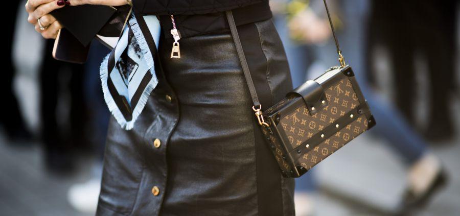 La jupe en cuir : 7 looks d'inspiration pour la dompter