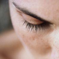 Askoroutin pour la personne à la pigmentation