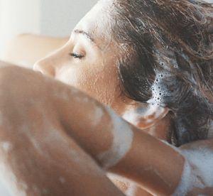 Ajouter du sucre dans son shampoing, l'astuce beauté insolite qui fait le buzz