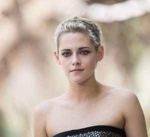 Kristen Stewart dévoile une nouvelle couleur à Paris pour le défilé Chanel Haute-Couture.