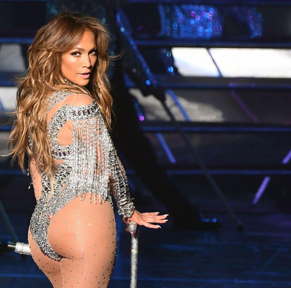 J-Lo se fait sulfureuse et fait le buzz une nouvelle fois sur les réseaux sociaux.