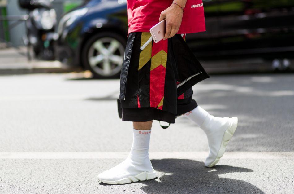 27c62e9d6b5b8d Les baskets-chaussettes, l'objet mode non identifié qui fait fureur ...