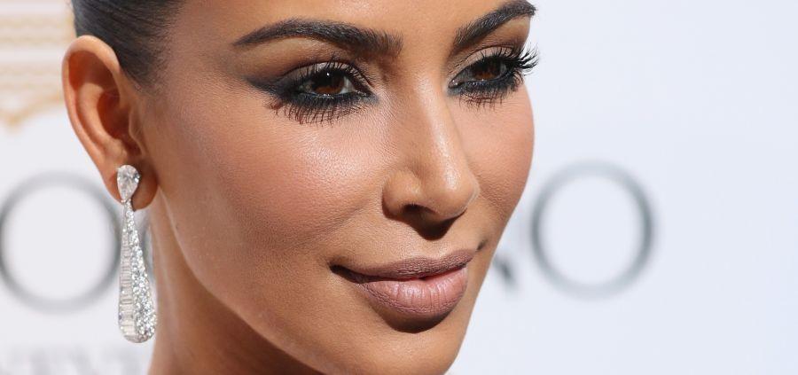 Les beautystas veulent toutes le smoky eye canon de Kim Kardashian