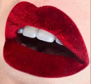 Sur Instagram, les beautistas se collent du velours sur les lèvres !