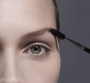La teinte que l'on devrait toutes utiliser pour maquiller nos sourcils