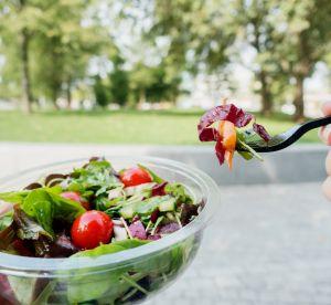 Manger une salade, est-ce vraiment si sain que ça ?