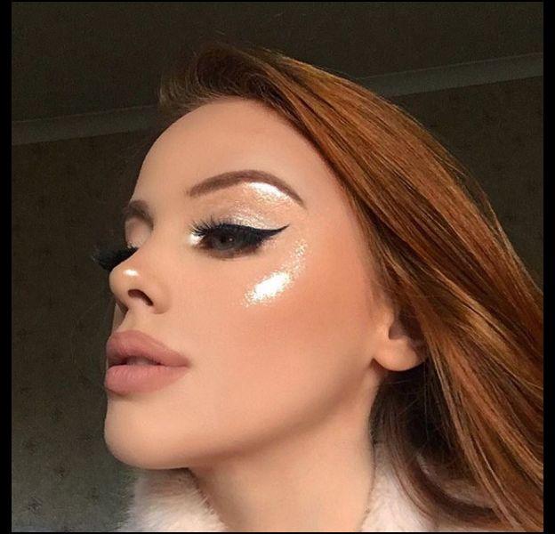 La technique d'une instagrameuse pour un highlighter super shiny !
