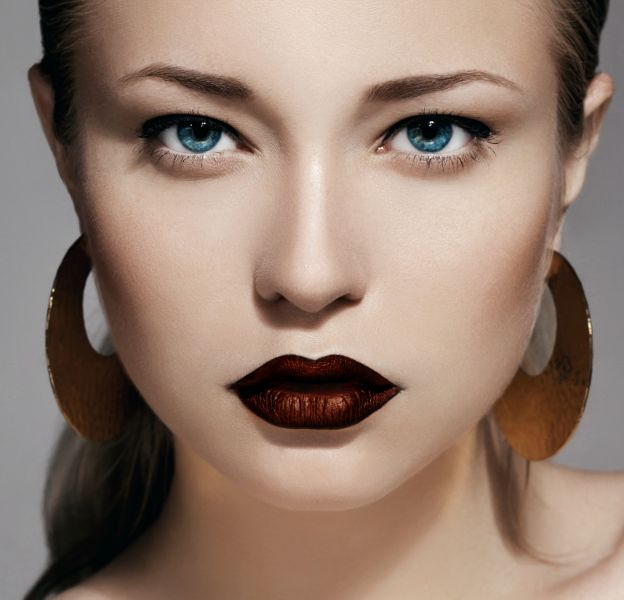 L'astuce pour se faire un rouge à lèvre métallique.