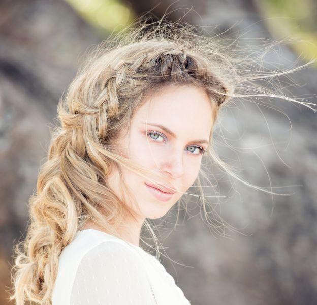 4 coiffures faciles pour les cheveux longs.