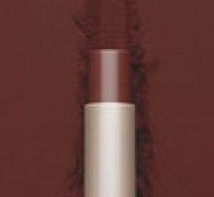 Rihanna : elle sort un rouge à lèvres en hommage aux menstruations !