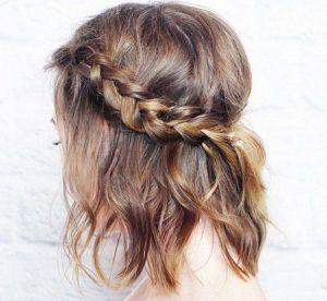 6 coiffures de fêtes pour les cheveux courts