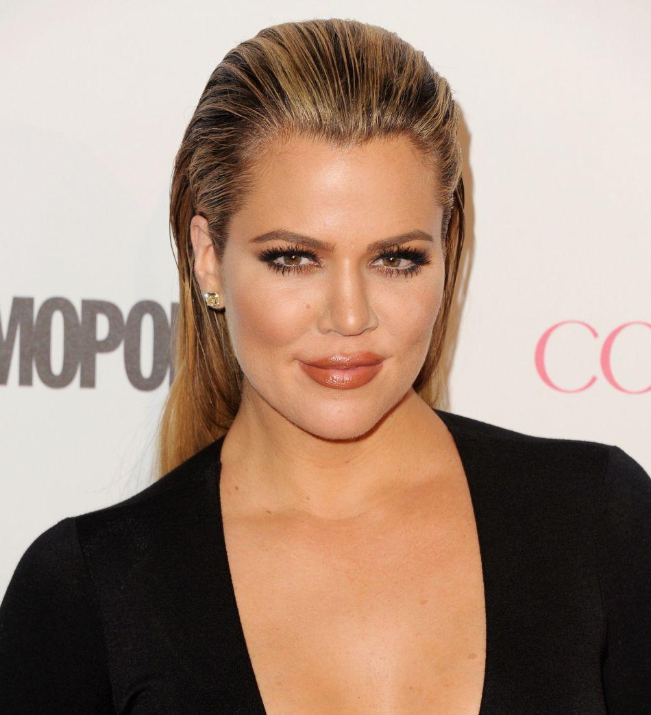 Elle officialise sa grossesse — Khloé Kardashian