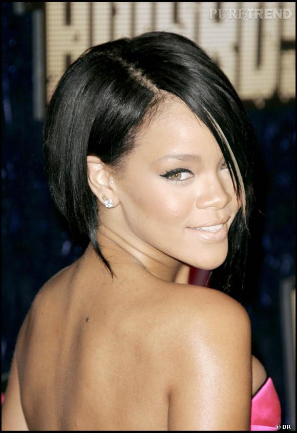 Rihanna Avant Son Devergondage Capillaire Un Carre Sagement Plongeant Puretrend