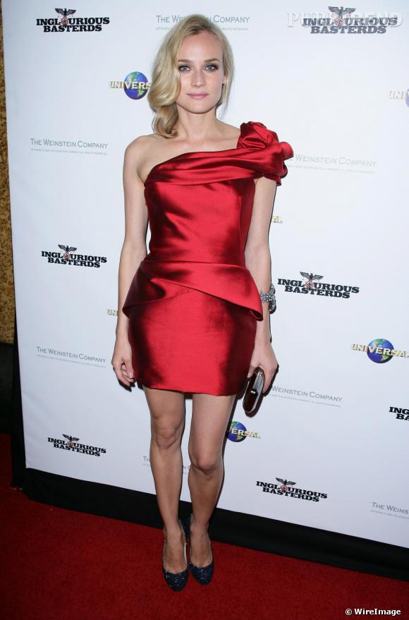 Diane Kruger accessoirise sa robe Marchesa avec le modele Lady Lynch de   Louboutin .