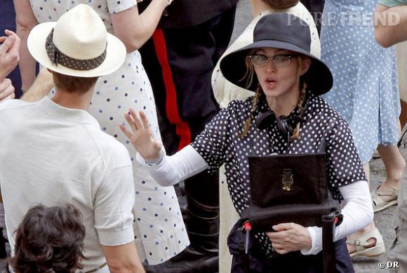 Madonna embrasse la tendance retro à bras le corps avec le modèle de Cuttler and Gross.