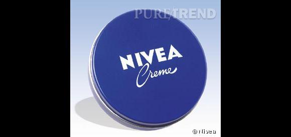La crème Nivea orginale dans sa mythique petite boite bleue...