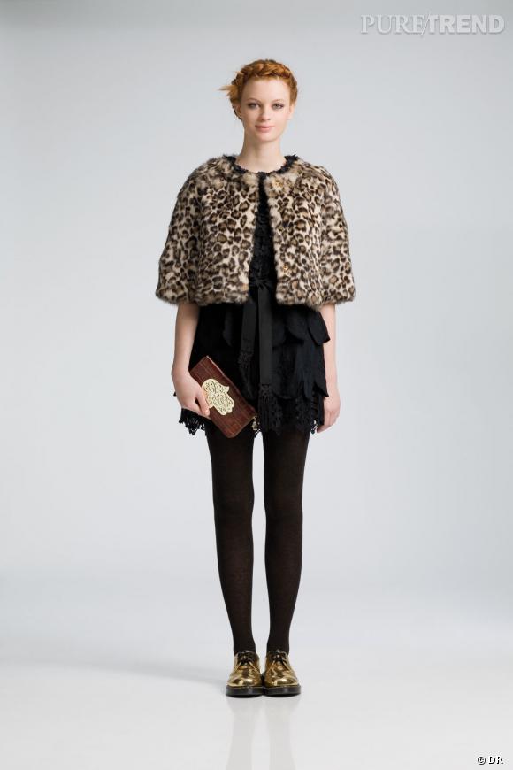 Où ça :  Chez  Manoush     Pourquoi on le veut :  Parce que c'est court, doux et mignon. Une version boléro de la veste léopard. Un des seules modèles qui procure un côté baby doll.    Prix :  385€