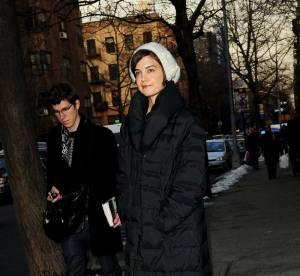 Katie Holmes, Estelle Lefébure, Marion Cotillard : elles affrontent l'hiver... en doudoune !