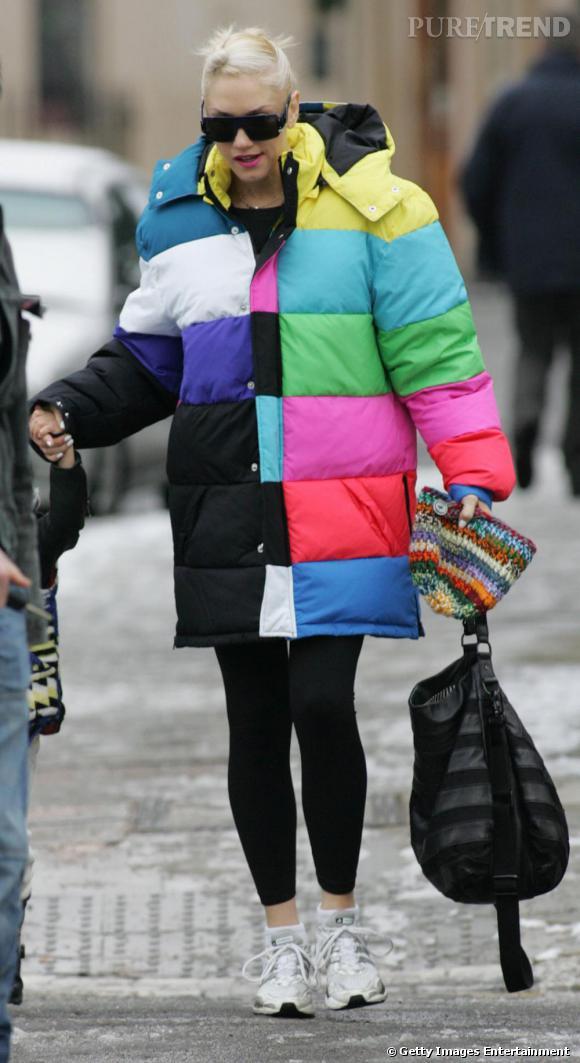 Chez Gwen, l'hiver est loin d'être triste. Ainsi, elle ose la doudoune mutilcolore sans honte et ça lui va comme un gant.