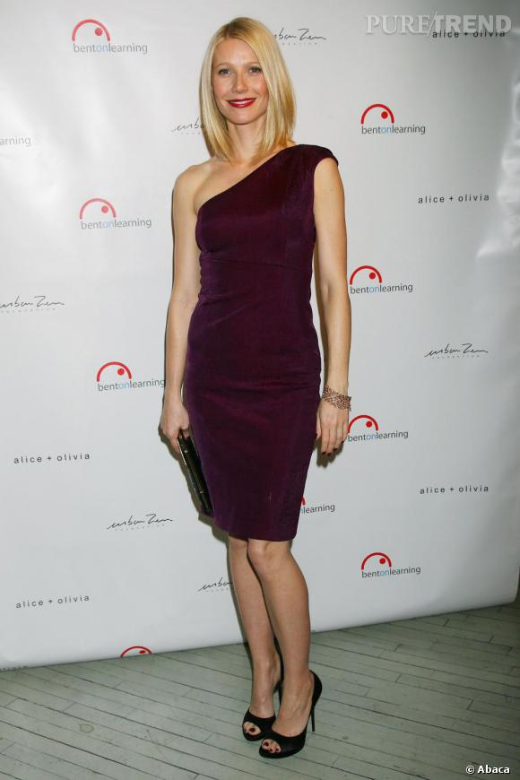Gwyneth Paltrow    Look minimaliste pour la belle Gwyneth Paltrow. Petite touche sexy, les escarpins open-toe Roger Vivier.