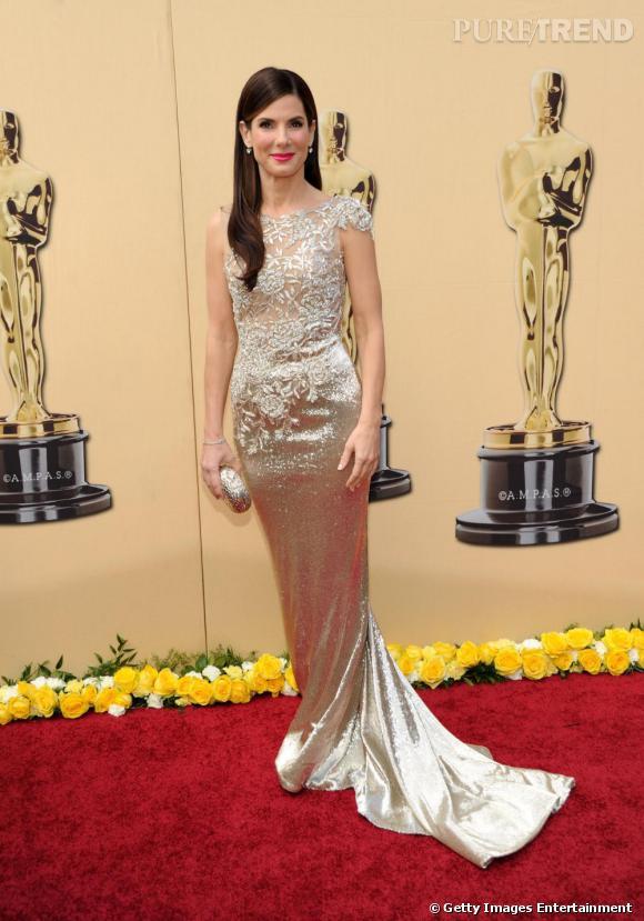 Sandra Bullock en robe Marchesa