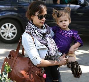 Jessica Alba, maman fashionista... A shopper !