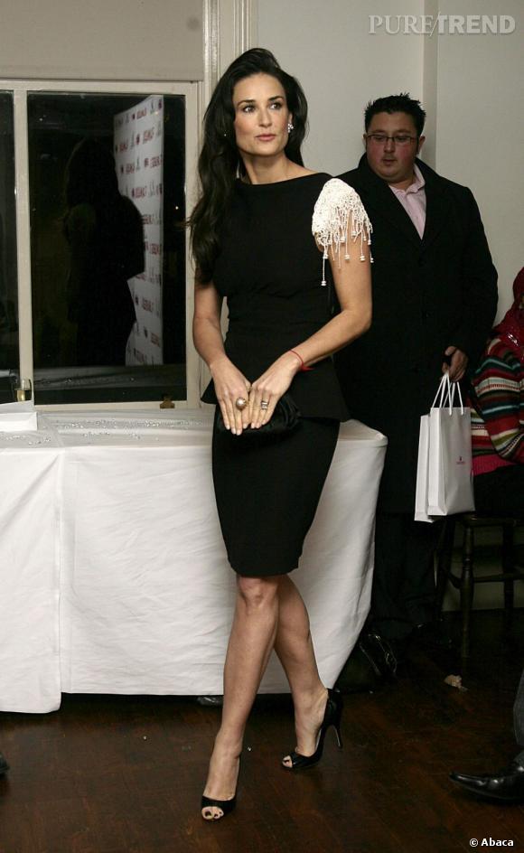 Demi en robe couture perlée