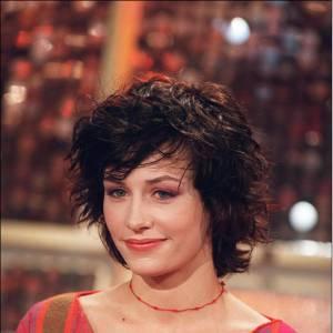 En 2001, Cécile de France avait les cheveux très foncés comme aujourd'hui.