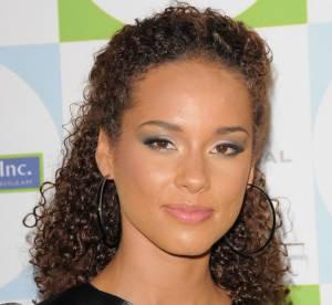Alicia Keys, sexy dans sa robe en cuir