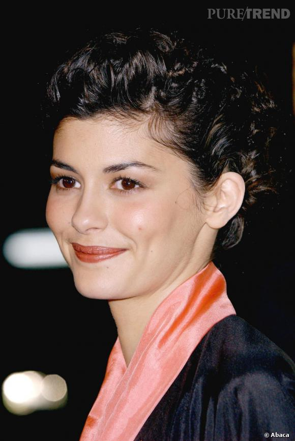 Les coiffures romantqiues : une des caractéristiques d'Audrey Tautou.