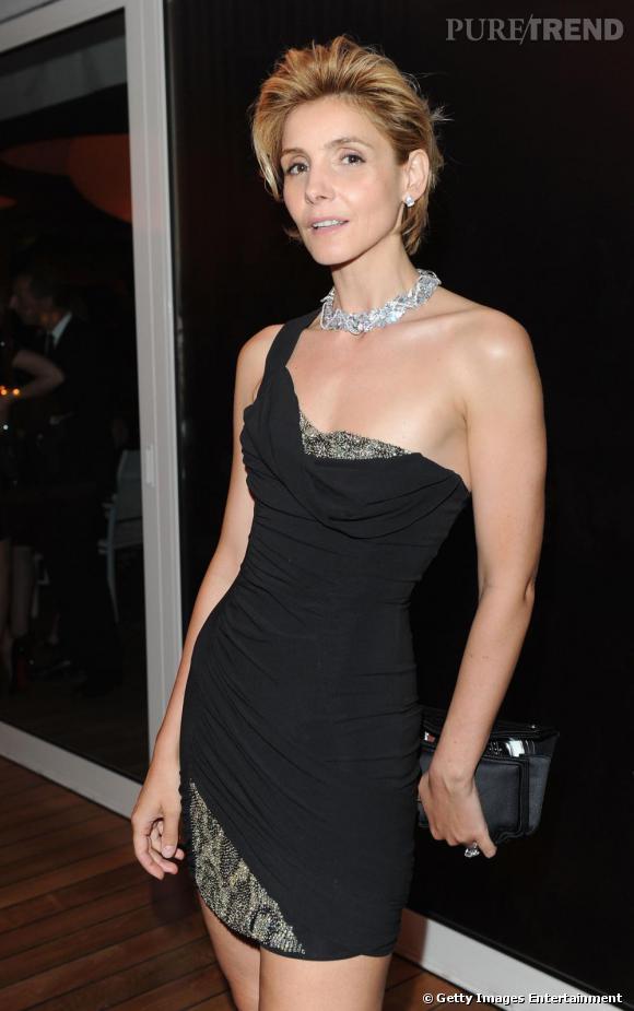 Clotilde Courau transformée en sexy lady