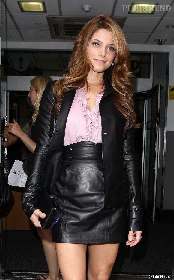 Ashley renoue avec la mode et fait enfin son âge !