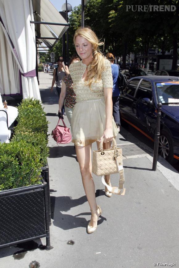Blake Lively , une poupée sexy en robe mousseline.