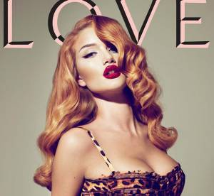 Rosie Huntington vs. Gisele Bundchen : qui est la plus vamp en une du magazine Love ?