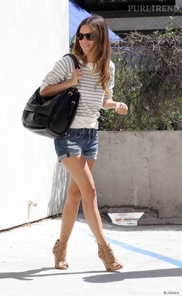 Rachel Bilson en pleine séance shopping.
