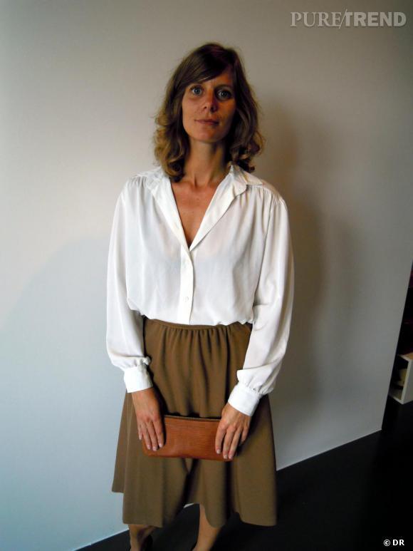 C'est quoi le style Belge ?     Total look vintage chiné à Bruxelles pour Pascale, PR Manager, accessoirisant son ensemble 70's d'une pochette Delvaux en lézard brun.